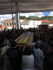 Making the longest pasty in the world at the 8th International Pasty Festival in Real del Monte, Mexico (2016)