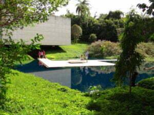 Galeria Adriana Varejão. Photo: Eduardo Oliveira